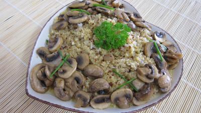 risotto : Plat de quinoa en risotto aux champignons
