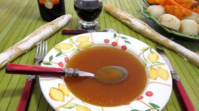 Image : Assiette de bouillon de plats de côtes