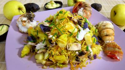 vinaigre vin rouge : Saladier de queues de langouste en salade