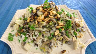 chou-fleur : assiette de cacahuètes grillées et ses restes de légumes
