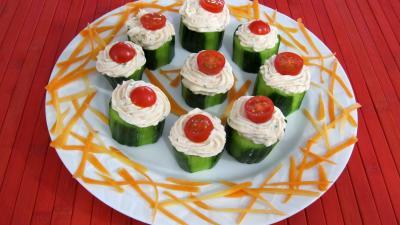 tabasco : Assiette de concombre farci aux crevettes
