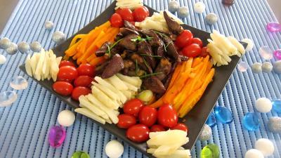 canard : Assiette d'alumettes de carottes et topinambours en salade