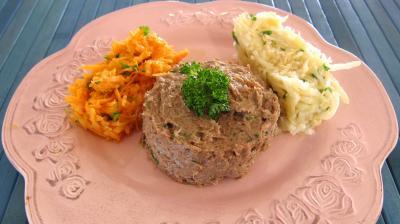 plat complet : Assiette de tartare de boeuf et ses crudités