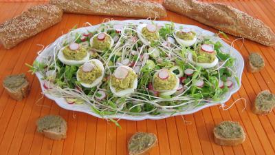 radis : Assiette d'oeufs durs à la tapenade