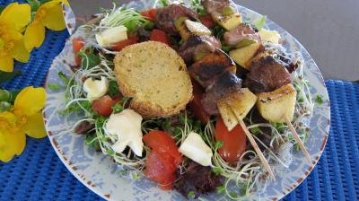 Image : Assiette de brochettes de magret à la plancha