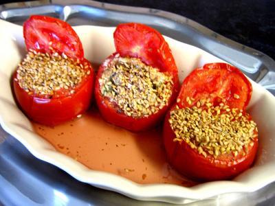 Image : Plat de tomates farcies au tofu