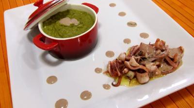 encornet : Assiette de purée à l'oseille avec ses encornets