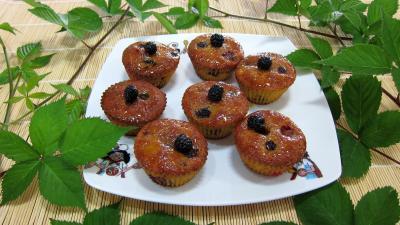 Cupcake aux nashis et aux mûres