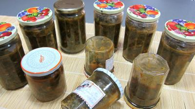 raz el hanout : Pots de conserve de ragoût de blettes et d'oseille au basilic
