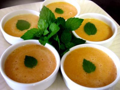 Recette Ramequins de soupe de melon au floc de Gascogne