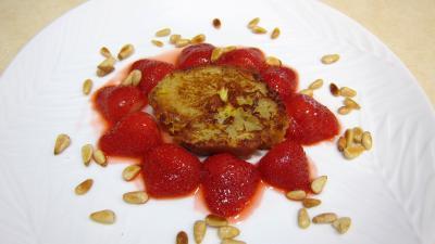Pain perdu aux fraises et aux pignons - 9.2