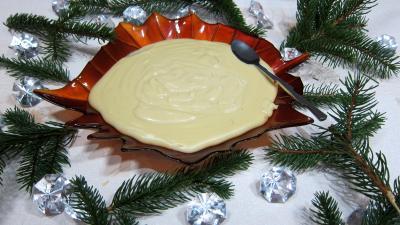 crème pâtissière : Coupe de crème pâtissière au beurre