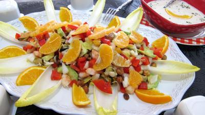 Coquillages et crustacés : Plat d'endives et orange, mandarine en salade