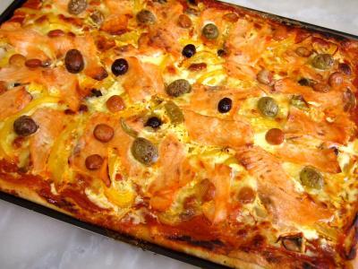 entrée à base de poisson : Pizza au saumon fumé