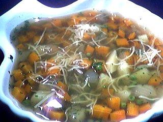 Cuisine diététique : Soupière de soupe aux petits pois