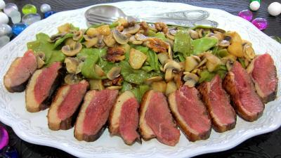 plat complet : Assiette de magret de canard aux pois gourmands