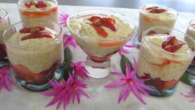 Dessert meringué : Verrines de mousse aux noisettes et aux fraises