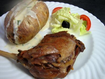 Image : Assiette de confit de canard sauce gorgonzola