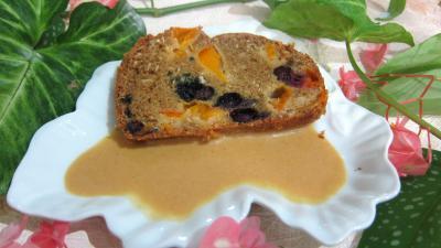 Recette Assiette de cake aux abricots et myrtille avec sa crème aux abricots et noix de coco
