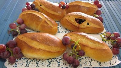 Levain sans gluten à la farine de sarrasin : Pains au lait aux raisins frais et cranberries secs
