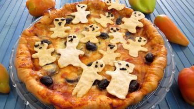 pâte à pizza : Assiette de pizza regina et ses fantômes