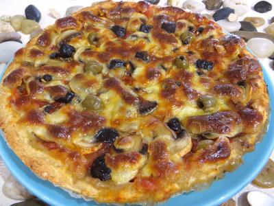Sauce tomate pour pizza : Assiette de pizza napolitaine