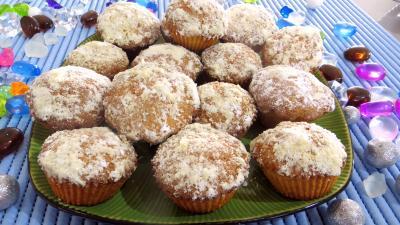orange zeste : Assiettes de gâteaux brestois