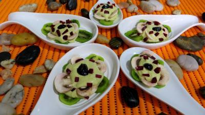 Olive noire : Cuillères aux kiwis en amuse-bouche ou entrée