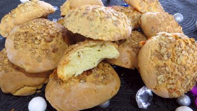 pain farci : Boules de pain au brie