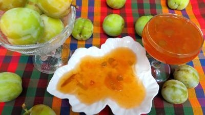 Recette Coupelle de confiture de prunes jaunes à la rhubarbe