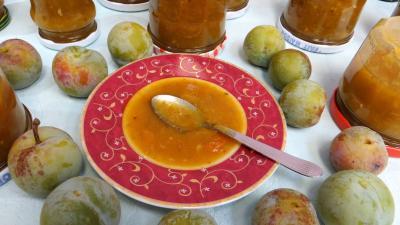 Olive verte : Coupelle de chutney de reine-claude aux restes de mojito