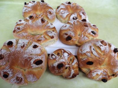 Pains & pâtes : Couronnes de pain de mie aux fruits secs