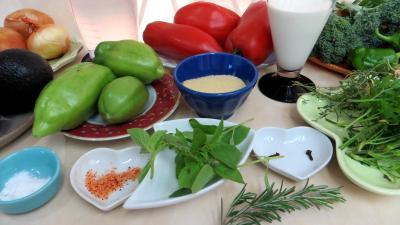 Potage aux tomates et aux avocats supertoinette la cuisine facile - Potage a la tomate maison ...