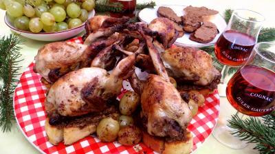Volailles et gibiers : Assiette de cailles aux raisins