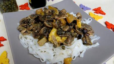 Pâtes alimentaires : Assiette de vermicelles de riz aux câpres