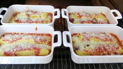 Quenelles natures la sauce bolognaise supertoinette for Que manger avec des quenelles