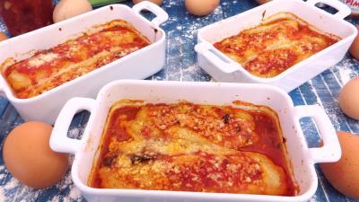 plat unique : Cassolettes de quenelles natures à la sauce bolognaise