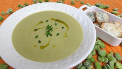 Soupes & potages : Soupière de crème de fèves