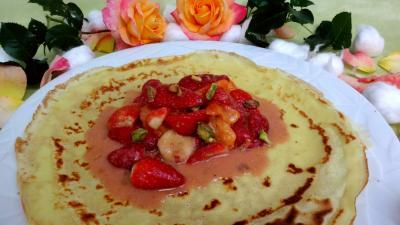 pistache : Crêpes aux fraises