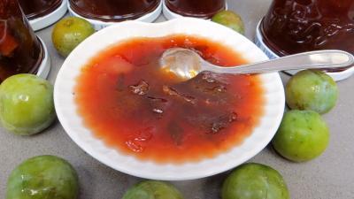 La cuisine des grand-mères : Coupelle de confiture de reine-claucle à la sangria