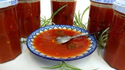 Sauces : Coupelle de sauce tomate aux coeurs de carnard