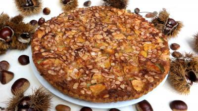 noix de cajou : Assiette de clafoutis aux pommes et châtaignes