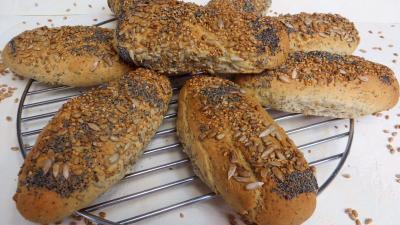 fête du pain : Petits pains aux graines