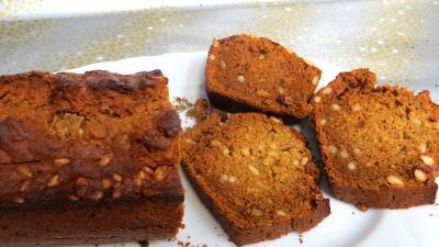 farine type 55 : Plat de pain d'épices aux pignons de pin