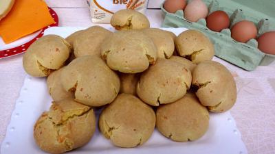 mimolette : Plat de boulettes de fromage à la mimolette