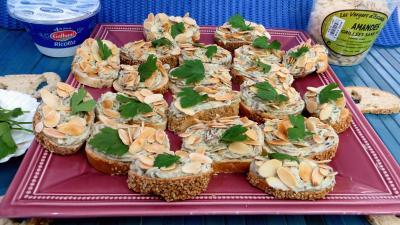 pain : Canapés à la fourme d'Ambert