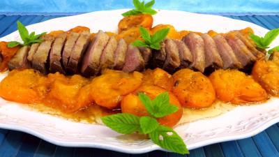 Volailles et gibiers : Magret de canard aux abricots frais