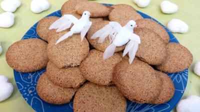 Desserts : Assiette de biscuits croustillants amandes-café