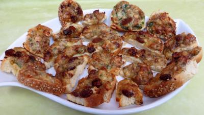 camembert : plat de bouchées de camembert aux noisettes
