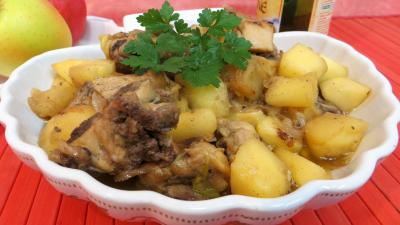 Image : Plat de fricassée de canard aux pommes